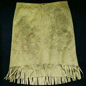 Nine west 8/M leather skirt floral design fringe